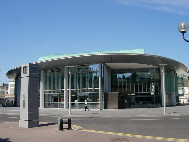 Perth_Concert_Hall,_Perth,_Scotland[1]
